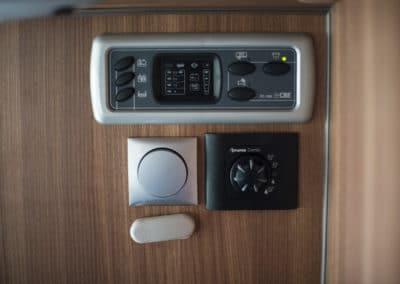 EN-MQ_Interior_17_control-panel_1080x720